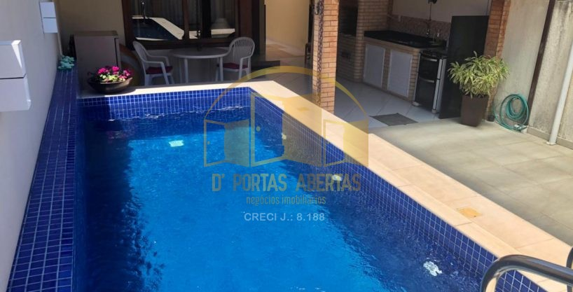 Casa com piscina á venda no Portinho ! 14
