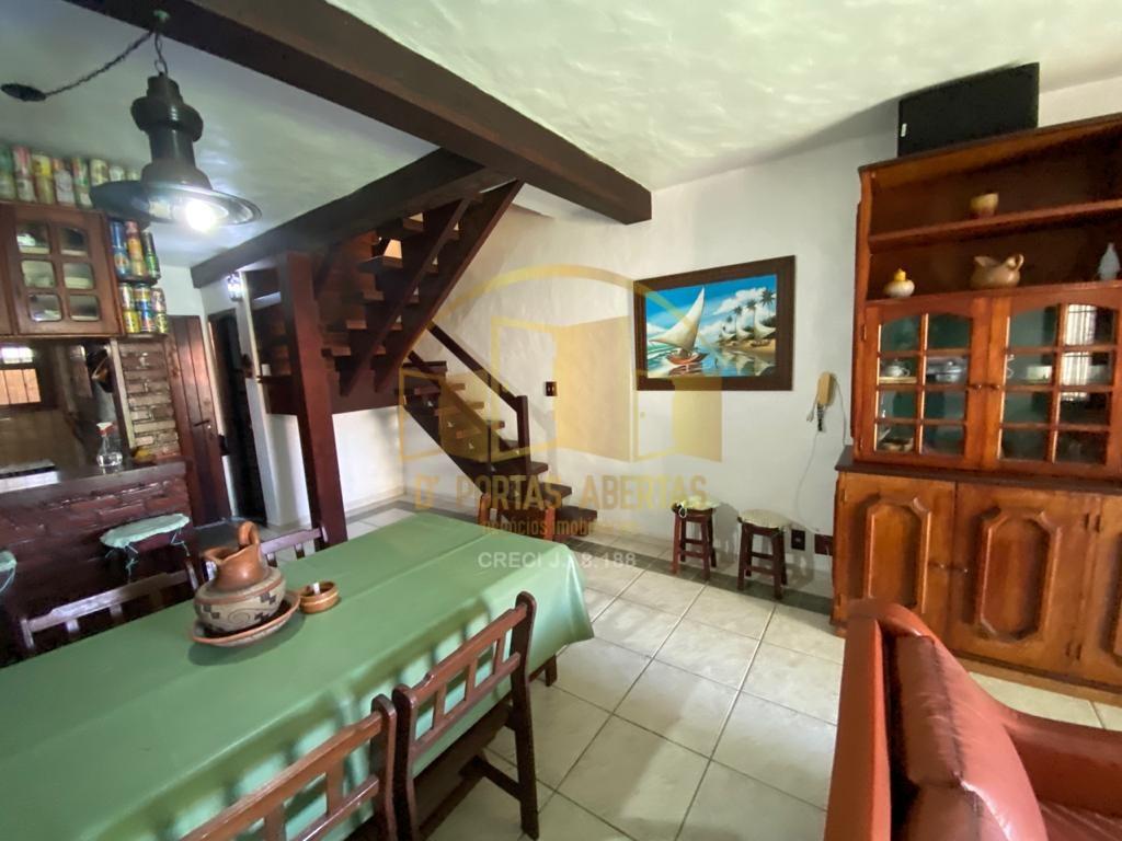 Casa Tríplex em Condomínio no Peró !!